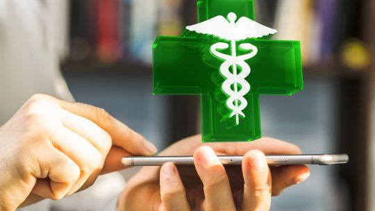 Quels sont les critères qui permettent de s'assurer de la légalité d'une pharmacie en ligne?