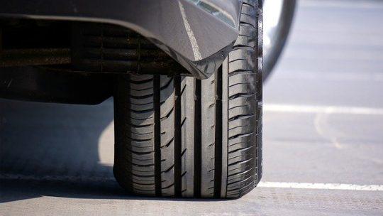 Comment installer un système de surveillance de la pression des pneus ?
